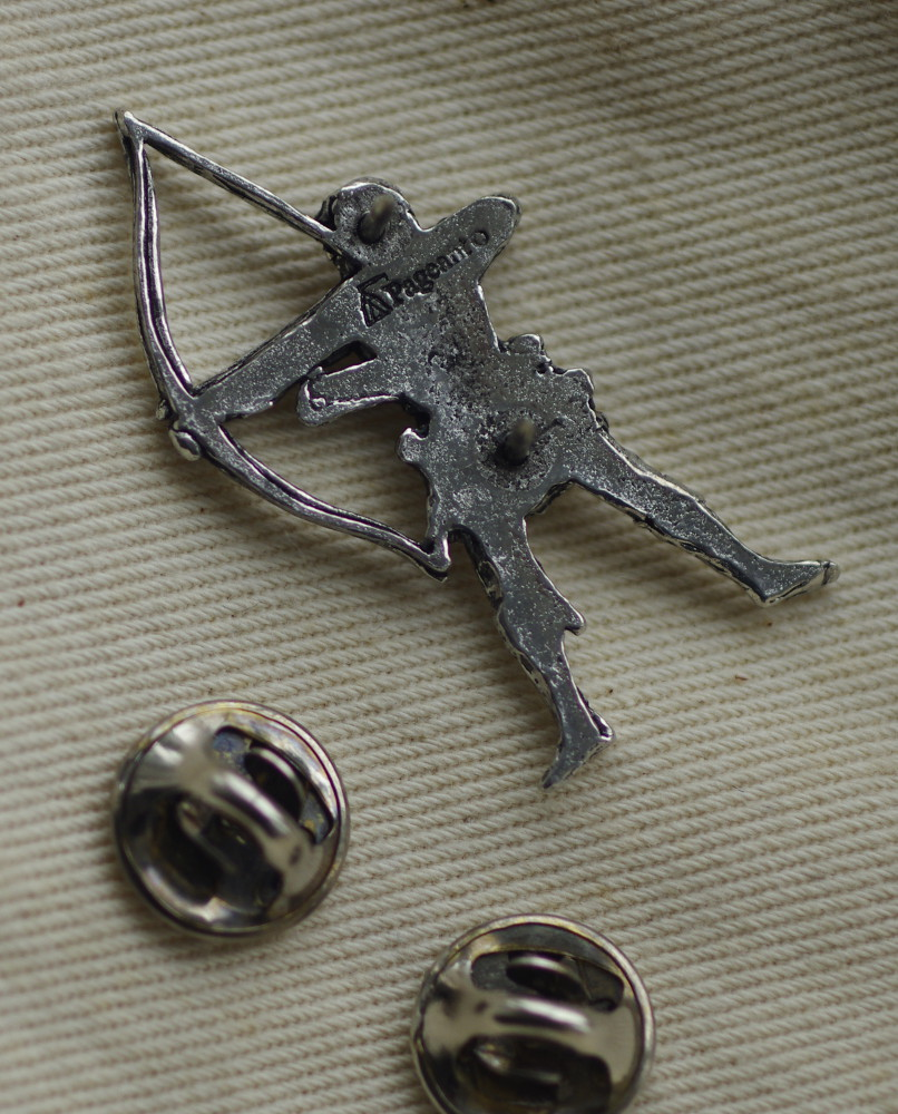Sherwood Archer Pewter Badge Rear