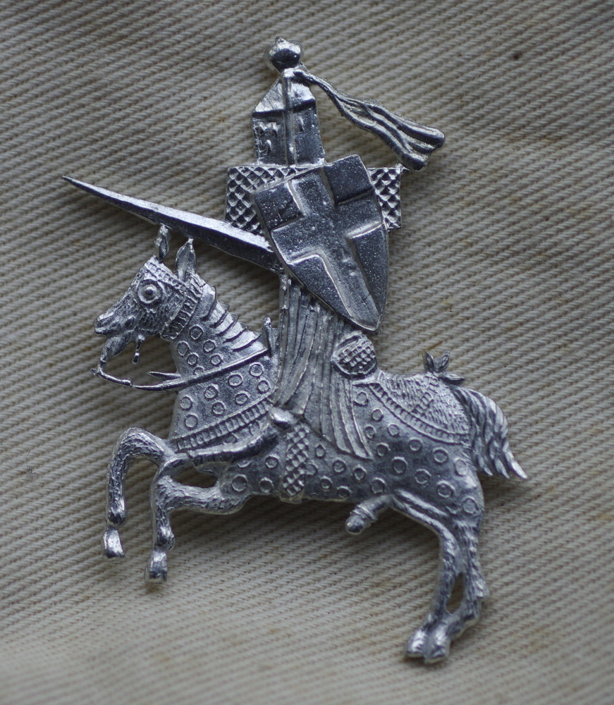 Knight St George - pewter badge