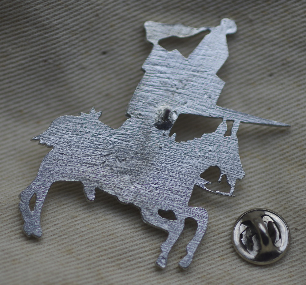 Knight Pewter Badge Rear